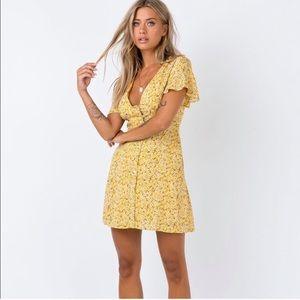 Yellow summer dress ✨